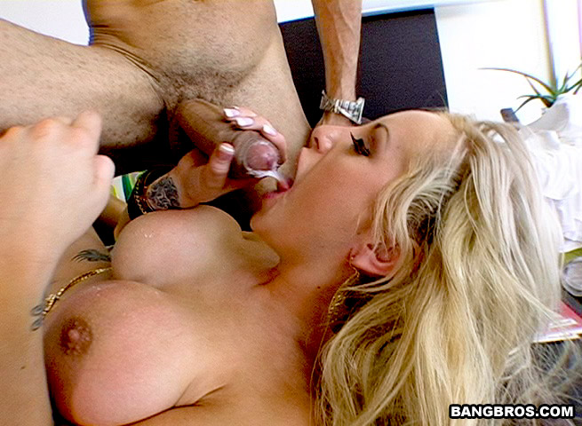 British savanah gold gets fucked in a kinky scene 9