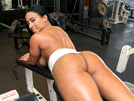Tight Body-Builder Pussy Fucked Hardcore!