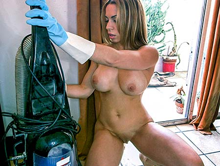 big booty cuban chick cleans and gets fucked