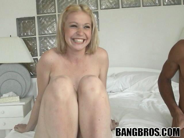 Carli bank bravo erotica