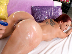 Kelly Divine Gets Fucked in her Big Ass